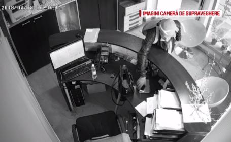 Momentul în care un hoț fură telefonul unei secretare din Cluj Napoca chiar în timpul serviciului