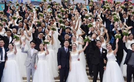 108 cupluri de chinezi s-au căsătorit în Hangzhou