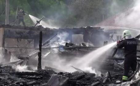 Un bărbat din Bacău, supărat că fratele său nu-i dă calul, a dat foc satului