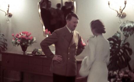Hitler discutand cu o femeie