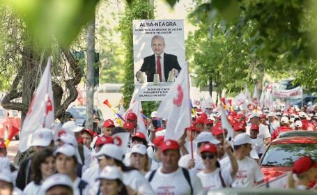 10.000 de angajaţi din sistemul sanitar au protestat în Piața Victoriei
