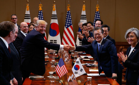 Donald Trump si Moon Jae-in