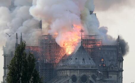 Omagiu artistic pentru Catedrala Notre-Dame. Imagini cu sentimentul produs de incendiu