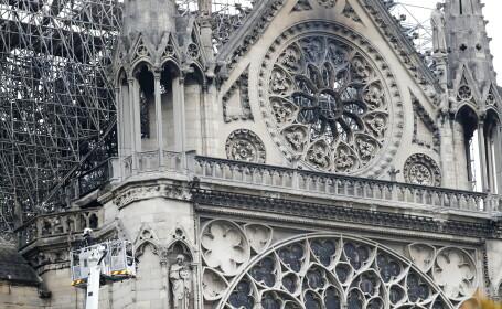 Incendiu la Notre Dame. Clopotele tuturor catedralelor din Franţa bat miercuri seară