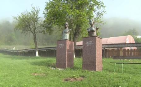 Scandalul amplasării ilegale a busturilor soţilor Tătărescu se transformă într-o problemă penală