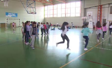 Aleșii au respins mărirea numărului de ore de sport. Sălile lipsesc în jumătate din școli