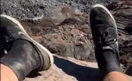 """Ce au făcut 2 turiști în vârful unul vulcan care a erupt recent. """"E extrem de periculos"""""""