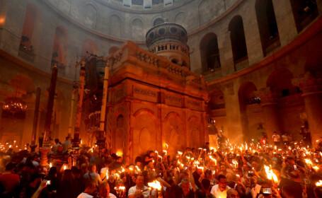 Lumina Sfântă s-a aprins la Ierusalim