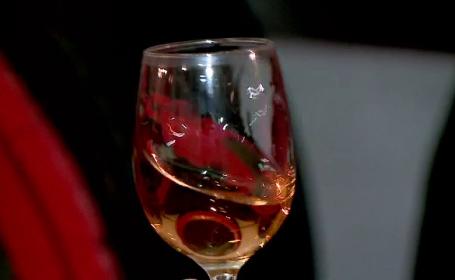 Cum alegem vinul pentru masa de Paște
