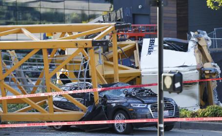 O macara s-a prăbușit peste 6 mașini în Seattle. Patru oameni au murit. FOTO