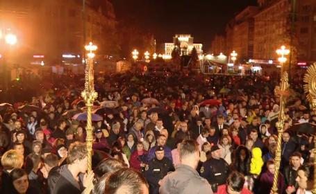 Simbolul reîntoargerii lui Iisus, în mâinile românilor. Lumina Sfântă, primită în toată țara