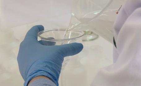 """Cel mai ieftin și mai eficient dezinfectant poate fi făcut acasă. Care este """"rețeta"""""""