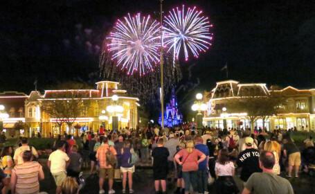 Disney ar putea verifica temperatura vizitatorilor la intrarea în parcuri, după redeschiderea acestora