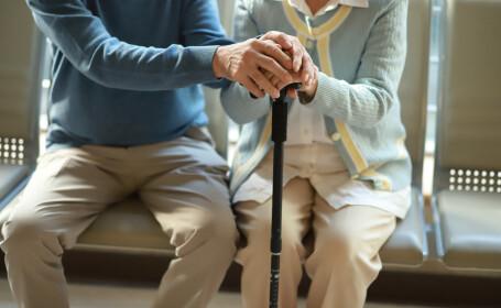 Bătrânii din centrele sociale, în situaţii disperate. Guvernul a anunţat abia acum măsuri