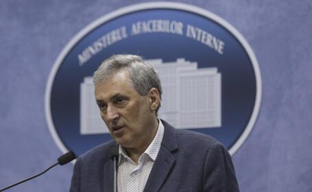 Vela: Dosar penal pentru primarul care a dat adeverinţe oamenilor să plece la muncă în străinătate
