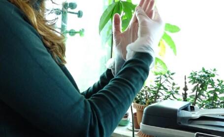 Pericolul la care ne expunem atunci când folosim mănuși de protecție. Sfaturile specialiștilor