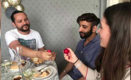 Cum petrec Paștele românii aflați departe de casă. \