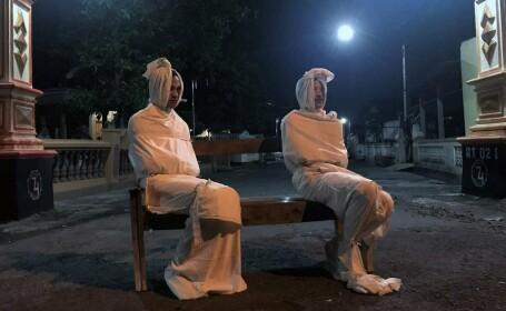 """Un sat din Indonezia a apelat la """"fantome"""" pentru a-i ține pe oameni în case"""