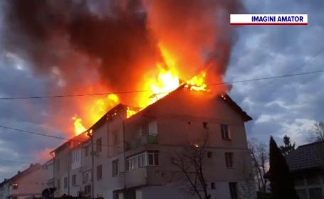 Incendiu violent la un bloc din Botoșani. Ce s-a întâmplat