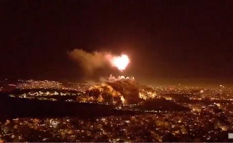 """Capitala Greciei, luminată de Paşte cu focuri de artificii: """"Atena va privi mereu în sus!"""""""