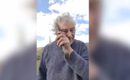 Un fermier s-a tuns singur, cu o foarfecă de tuns oile. Videoul a devenit viral
