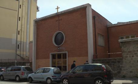 Români amendați după ce s-au închis într-o biserică din Italia pentru a sărbători Paștele