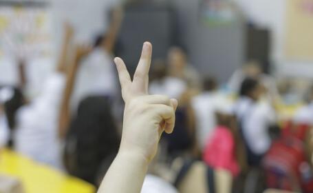 Propunere: Elevii de a VIII-a și a XII-a revin primii la școală. Cum se vor da BAC-ul și evaluarea națională