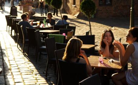 Una dintre capitalele Europei va fi transformată într-o cafenea în aer liber