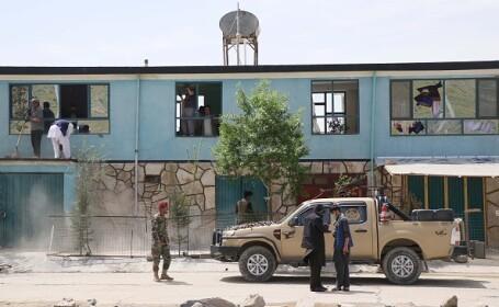 VIDEO Atac sinucigaș în capitala Afganistanului. Cel puţin trei morţi şi peste 15 răniți