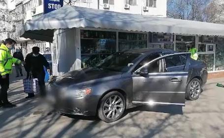 Un şofer din Galați a pierdut controlul volanului şi a lovit în plin 3 pietoni, pe trotuar