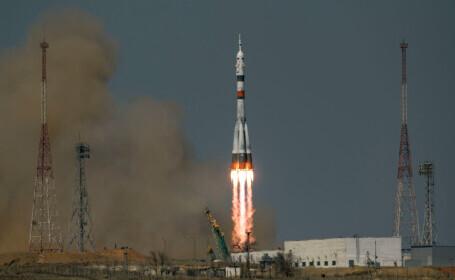O capsulă spaţială Soyuz, lansată cu succes într-o misiune aniversară spre ISS