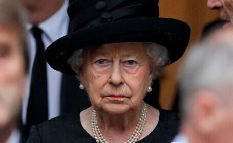 """Regina Elisabeta a II-a, """"profund mişcată"""" de mesajele primite după moartea prinţului Philip"""