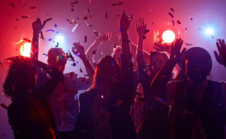 Țara care vrea să facă o petrecere cu 10.000 de invitați, în timp de pandemie. Care e motivul