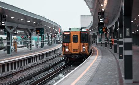 O gară din Londra, închisă și evacuată după ce un obiect suspect a fost găsit într-un tren