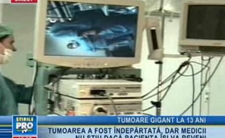 Medicii au îndepărtat tumoare după o operaţie de patru ore