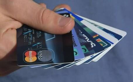Romanii nu stiu sa faca diferenta dintre cardul de credit si cel de debit!