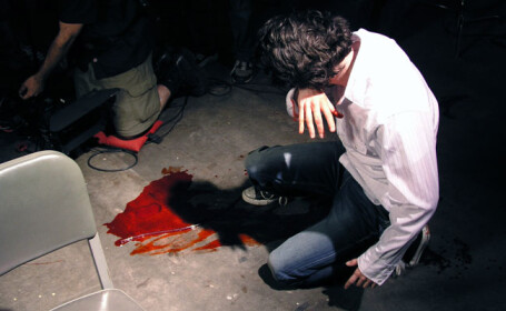 Barbat din Oradea, batut cu bestialitate si lasat sa zaca in strada