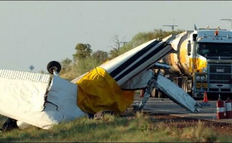 Operatiune uimitoare de salvare a doi piloti dintr-un avion prabusit