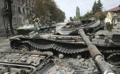 Rusii patruleaza inca in voie pe teritoriul Georgiei
