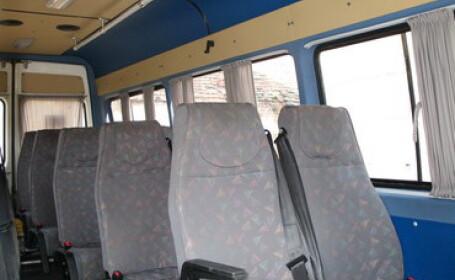 Sibiu: un microbuz cu 8 pasageri a fost implicat intr-un accident