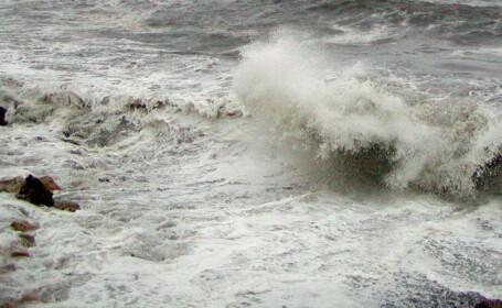Trei marinari disparuti in portul Soci, in mijlocul furtunii!