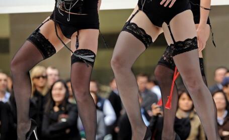 Prezentare de moda topless la Sydney! GALERIE FOTO
