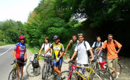 """""""Let's Bike It"""" va invita la cartare pe biciclete!"""