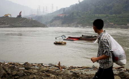 Inundatiile au facut ravagii in Thailanda: 1 milion de gospodarii sub ape