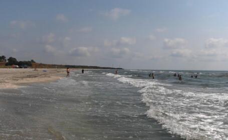 Iti intinzi cortul pe plajele de la Vadu sau de la Corbu? Primesti amenda