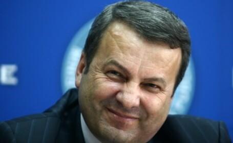 Cum ii raspunde ministrul Finantelor Gheorghe Ialomitianu lui Cseke: \