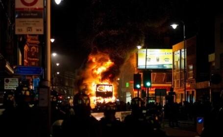 GALERIE FOTO. Londra dupa asediu. Urmele razboiului de strada de sambata noaptea