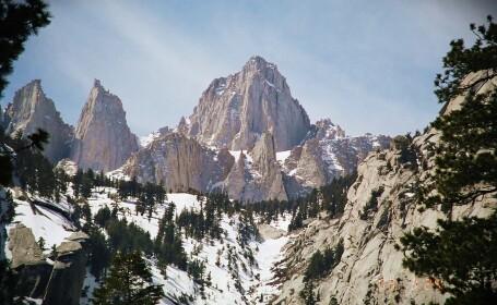 Gafa monumentala pe Google Maps. Vezi cum apare un munte pe harta