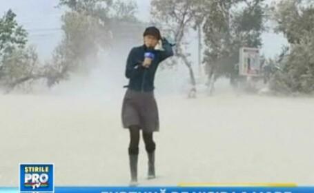 Furtuna de nisip ca-n Sahara pe litoral. Vantul a batut cu 80 km/h. Vezi cum va fi vremea vineri