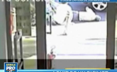VIDEO. Batran de 63 de ani, spulberat pe trecerea de pietoni si lasat in agonie pe trotuar
